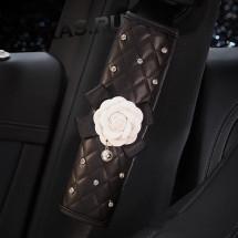 Накладка на ремень безопасности  Роза белая экокожа со стразами  (2шт.)